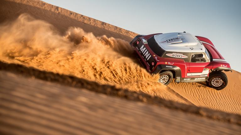 Overhead view of the MINI John Cooper Works Buggy carving up the sand at Dakar Rally 2018.