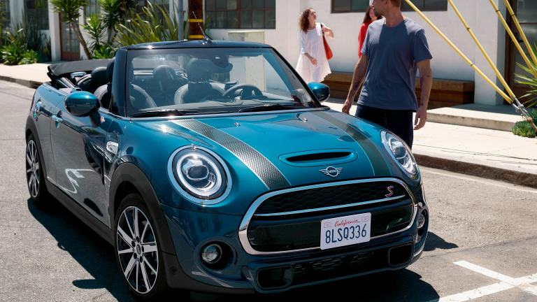 MINI Convertible Sidewalk Edition – blue and black – front, side and mirror cap