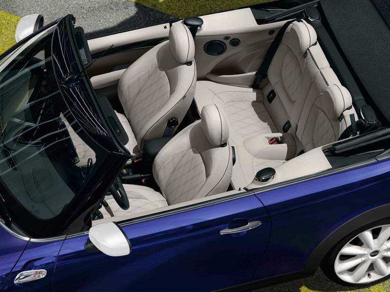 MINI CONVERTIBLE - FRONT VIEW