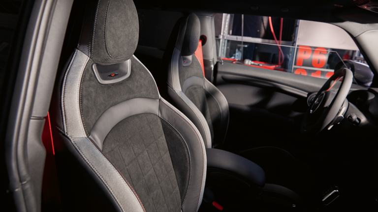 MINI JOhn Cooper Works GP -  sport seats -headrest